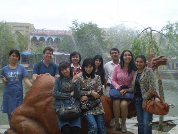 עם הסטודנטיות האוזבקיות