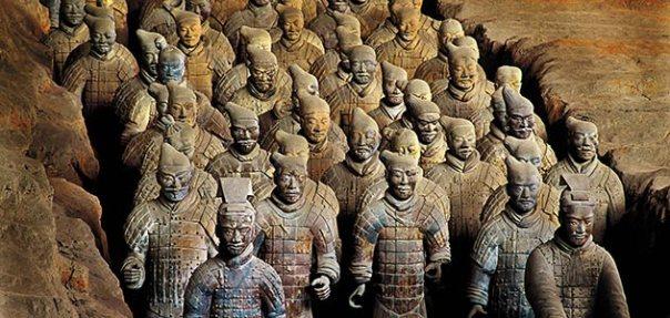 מכונת מלחמה בלתי מנוצחת - צבא חיילי הטרקוטה שנועד לשמור לנצח על קברו של הקיסר הראשון