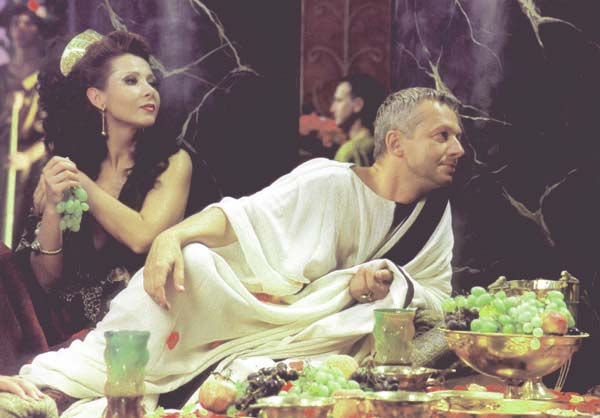 בוגוסלב לינד כפטרוניוס - הפקה פולנית של קוו ואדיס, 2001