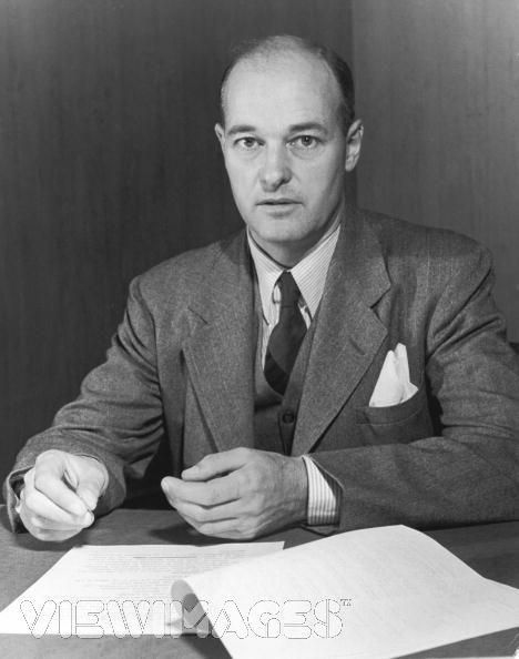 """פרגמטי, קר ומפוכח: הדיפלומט האמריקאי ג'ורג' קנאן, הוגה """"תורת הבלימה"""""""