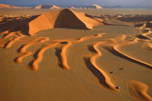 """לפי חלק מהאגדות, קבורה כאן עיר מכושפת של ג'ינים. """"הרובע הריק"""", במדבר הדרומי של ערב הסעודית"""