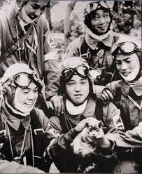 מתו לחינם: טייסי קמיקזה לפני היציאה למשימה