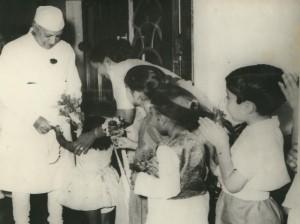 שאב מבארות הסוציאליזם הסובייטי: ג'ווהרלאל נהרו, ראש הממשלה הראשון של הודו