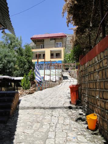 רחוב בכפר אמדייה
