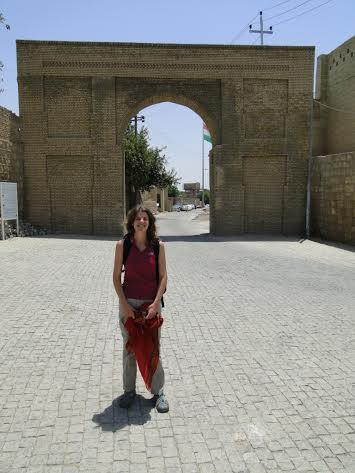 תיירת ישראלית בכוריסטאן. תמר ברס במצודה של ארביל.