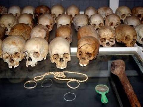 ג'נוסייד מודרני ומתוכנן - גולגלות ממוזיאון רצח העם בקיגאלי