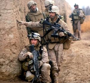 6th_Marine_Rgt._on_patrol_in_Marja_2010-02-22_crop