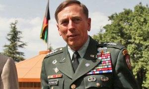 הכריח את המפקדת לחתום: גנרל דייויד פטראוס