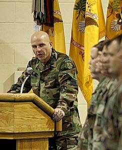 חש בהזדמנות - קולונל ה.ר.מקמסאטר, מפקד הכוחות האמריקאיים בתל עפר