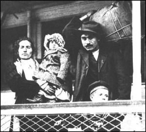 העדיפו להקים עסקים משפחתיים - מהגרים איטלקים בארה