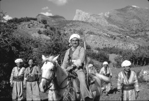מולא מוסטפא ברזאני (רוכב במרכז)