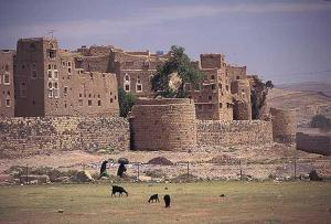 נפילת עמראן הובילה לנפילתה של צנעא: מצודה חרבה בעמראן, העיר העתיקה