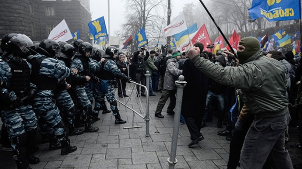 ukraine-maidan-protest-destroyed