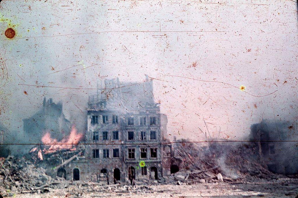 Warsaw_1944